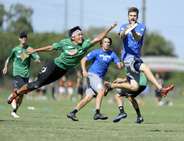 Johnny Bravo's Bart Watson catches the disc at the 2013 Club Championships.