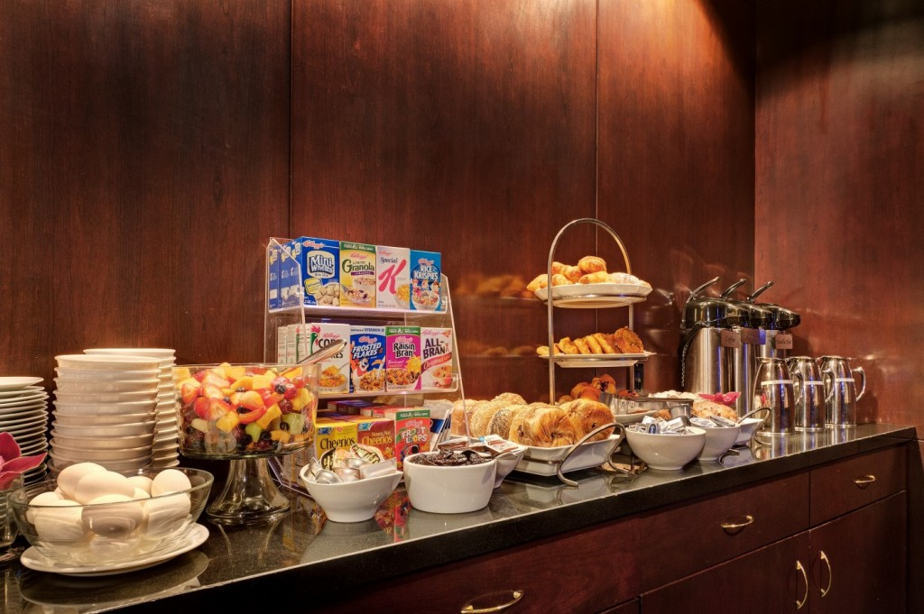 A typical hotel continental breakfast.