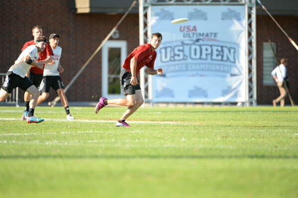 Revolver's Beau Kittredge stares down the disc at the 2014 US Open.