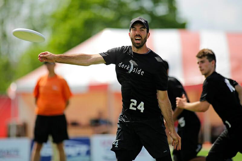 UNC's Jon Nethercutt pulls. Photo: Alex Fraser -- UltiPhotos.com