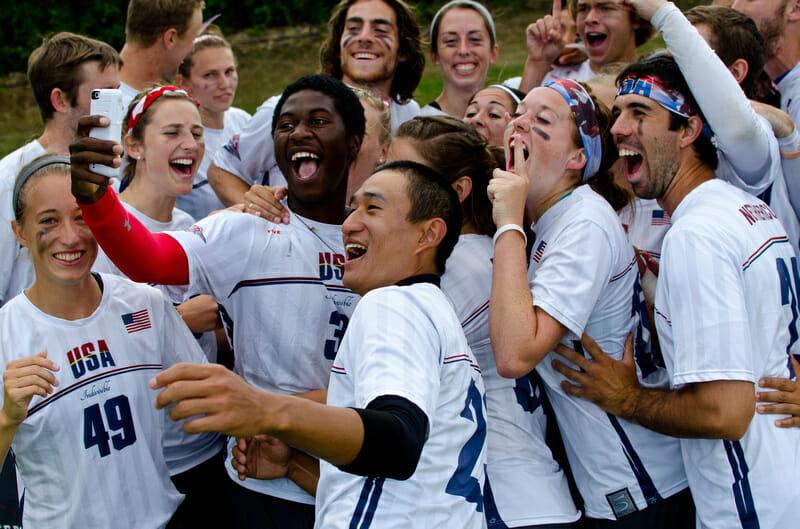 Team USA Mixed takes a selfie. Photo: Andy Moss -- UltiPhotos.com
