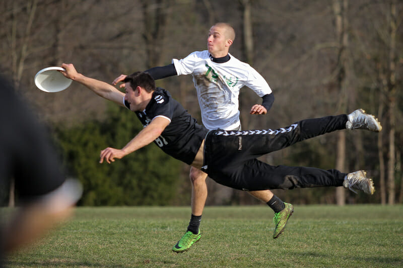UMass' Jeff Babbitt's layout block. Photo: Christina Schmidt -- UltiPhotos.com