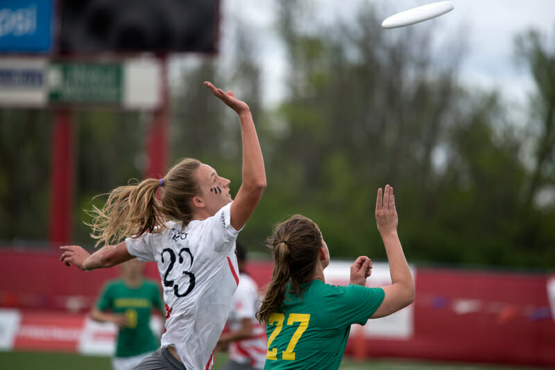 Stanford's Courtney Gegg at 2015 College Nationals. Photo: Jolie Lang -- UltiPhotos.com