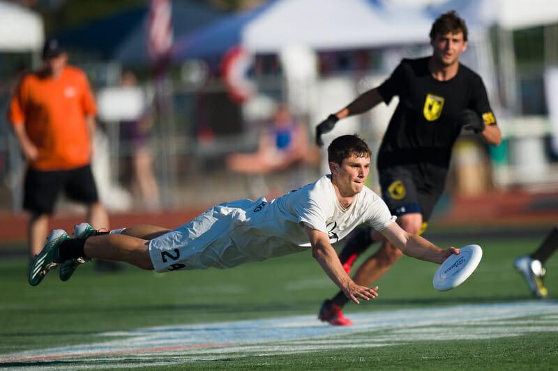 Oregon's Adam Rees v. Colorado at 2014 Nationals. Photo: Kevin Leclaire -- UltiPhotos.com