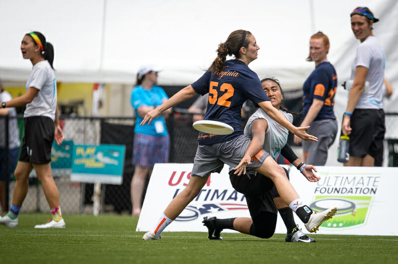 Whitman throws a ump pass at the 2016 College Championships.. Photo: Paul Andris -- UltiPhotos.com